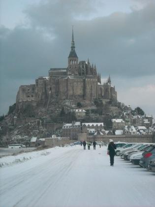 Le Mont-Saint-Michel-sous la neige