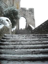 Le Mont-Saint-Michel-village sous la neige