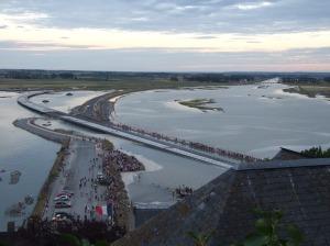 Grande marée au Mont-Saint-Michel